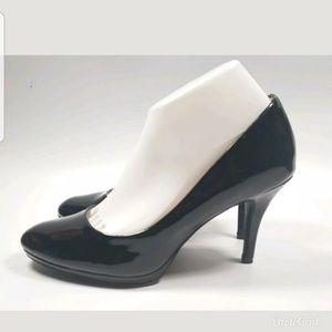 Merona Black Faux Patent Leather pumps sz 9